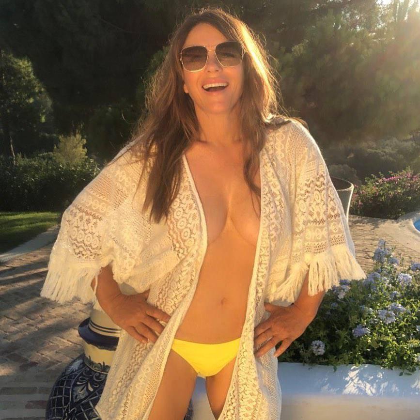 Elizabeth Hurley Brlaess Breasts