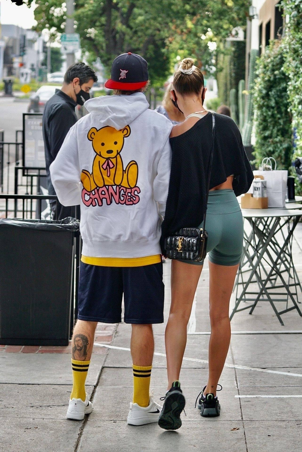 Hailey Bieber Sexy Camel Toe
