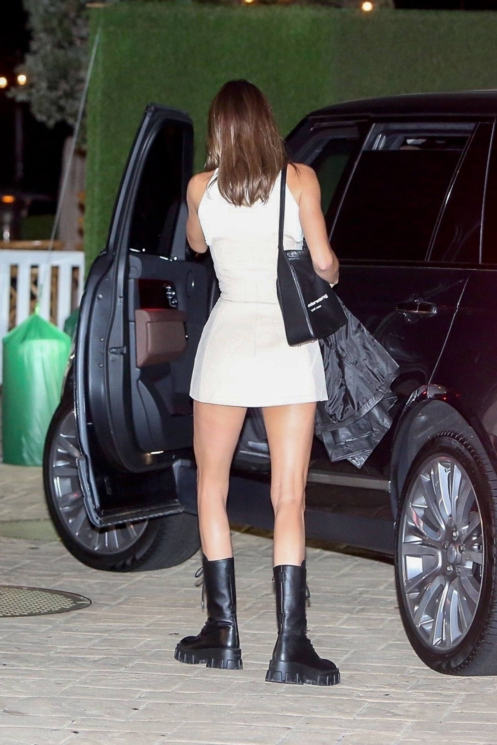 Kendall Jenner Sexy Legs