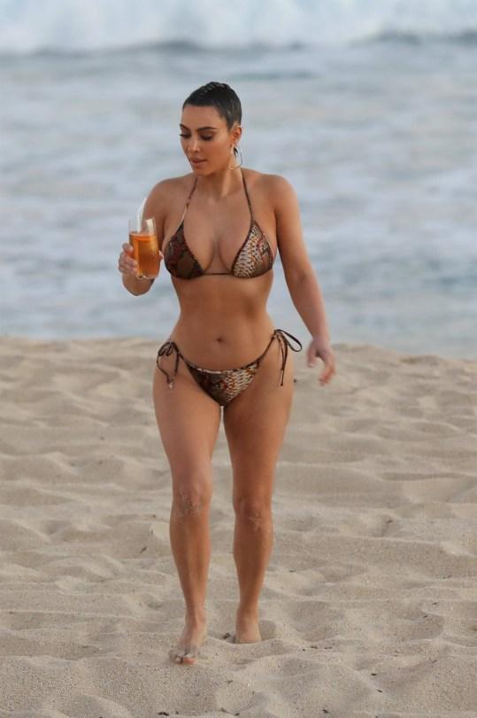Kim Kardashian Sexy As Beach