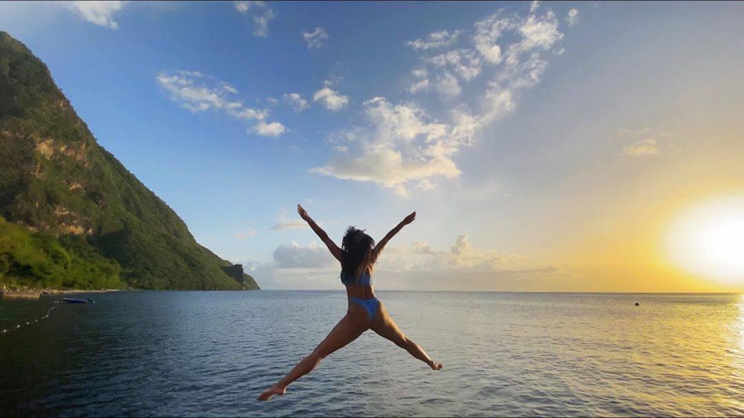 Nicoe Scherzinger Sexy Ass In Bikini