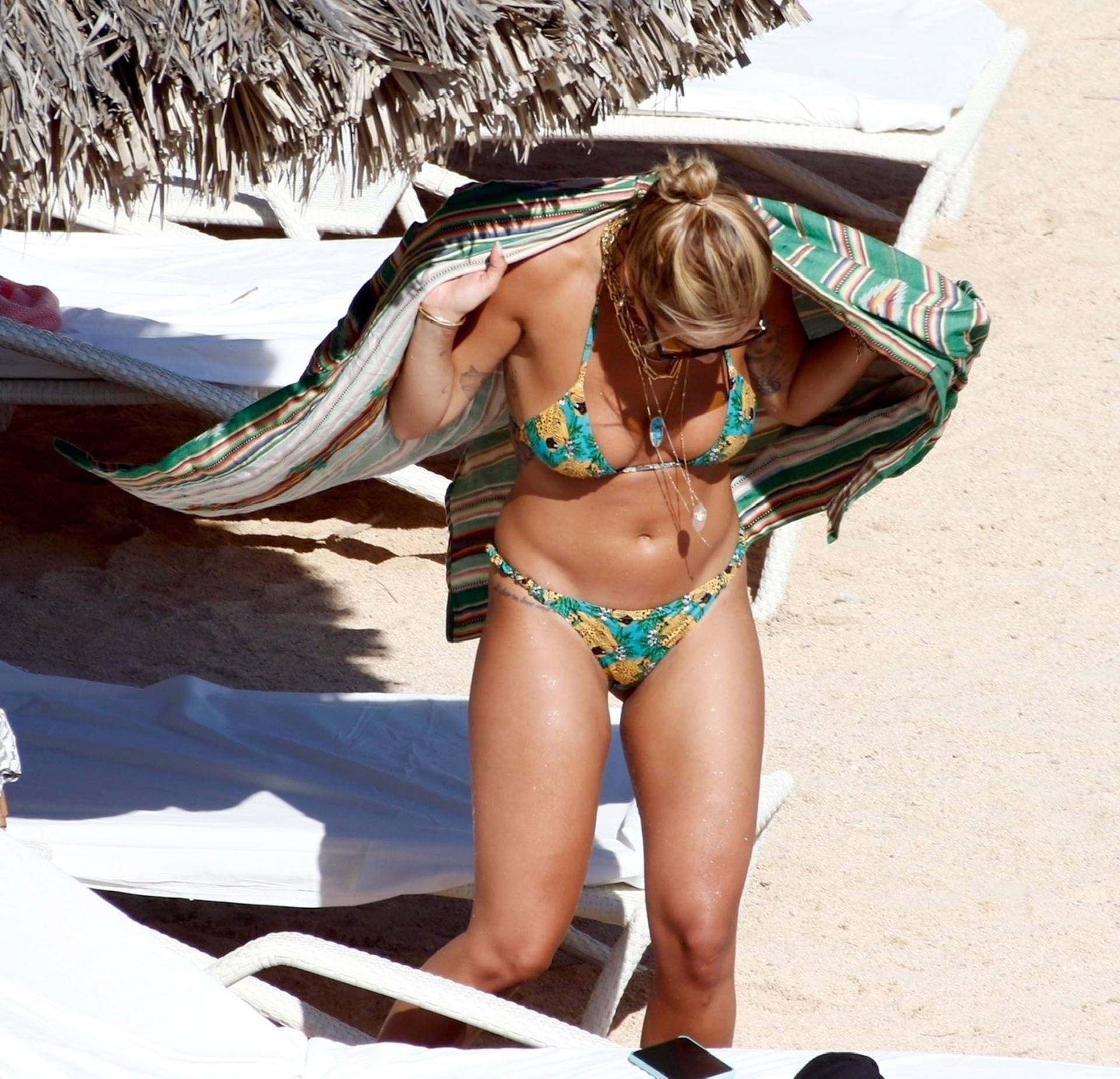 Rita Ora Beautiful In Bikini