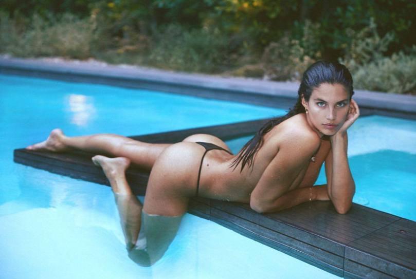 Sara Sampaio Fantastic Body In Thong Bikini