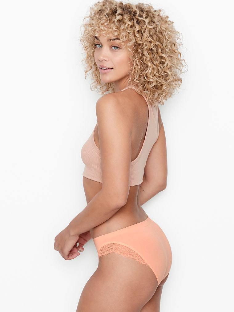 Jasmine Sanders Hot Lingerie Pics