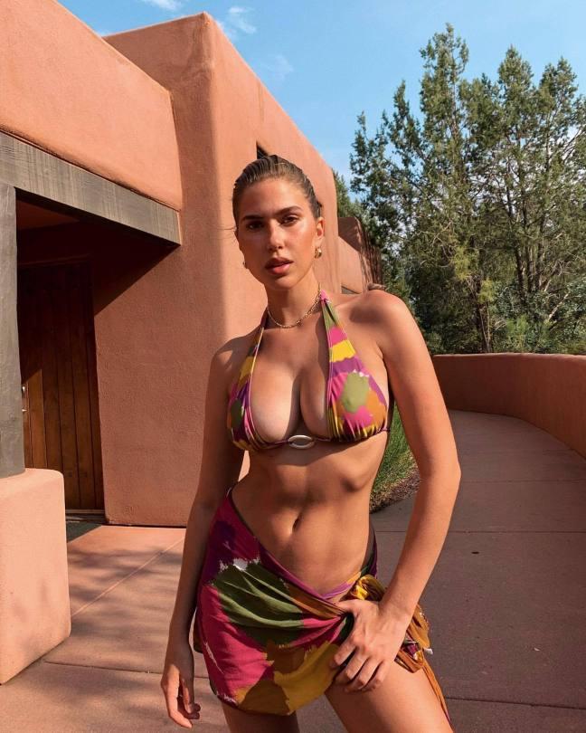 Kara Del Toro Beautiful Boobs In Bikini Top