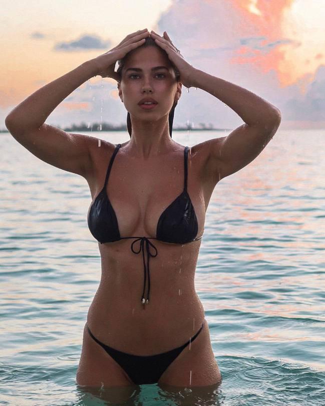 Kara Del Toro In Tiny Bikini