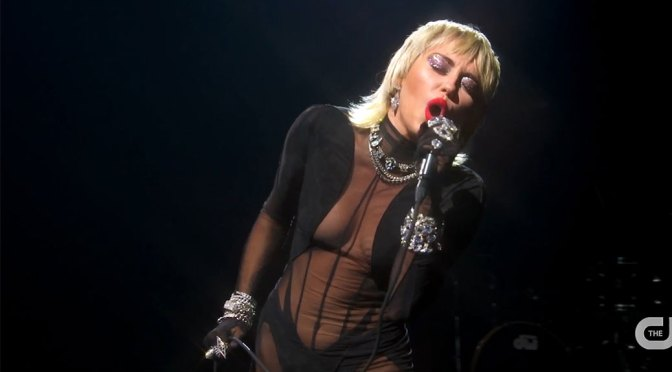 Miley Cyrus – Beautiful Boobs in Sexy Outfit at iHeartRadio Music Festival