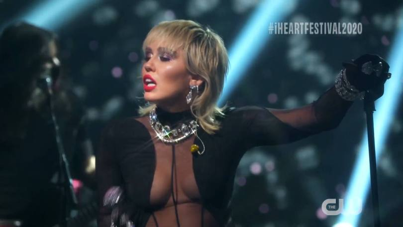 Miley Cyrus Sexy Performance