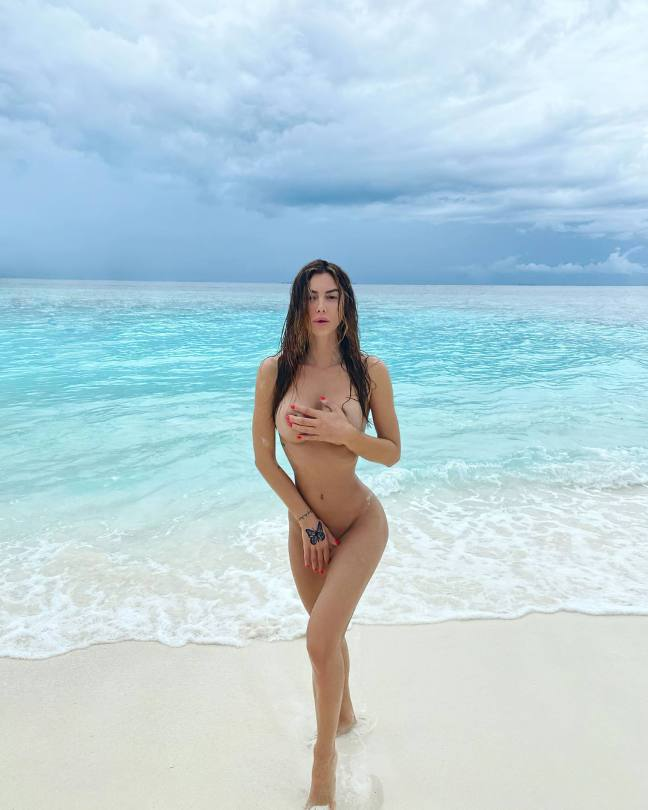 Valentina Fradegrada - Fantastic Boobs and Ass in Sexy Naked Photoshoot
