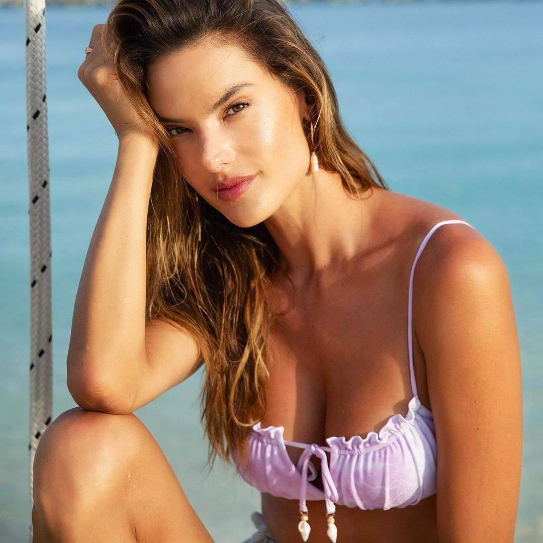 Alessandra Ambrosio Sexy Boobs In Bikini