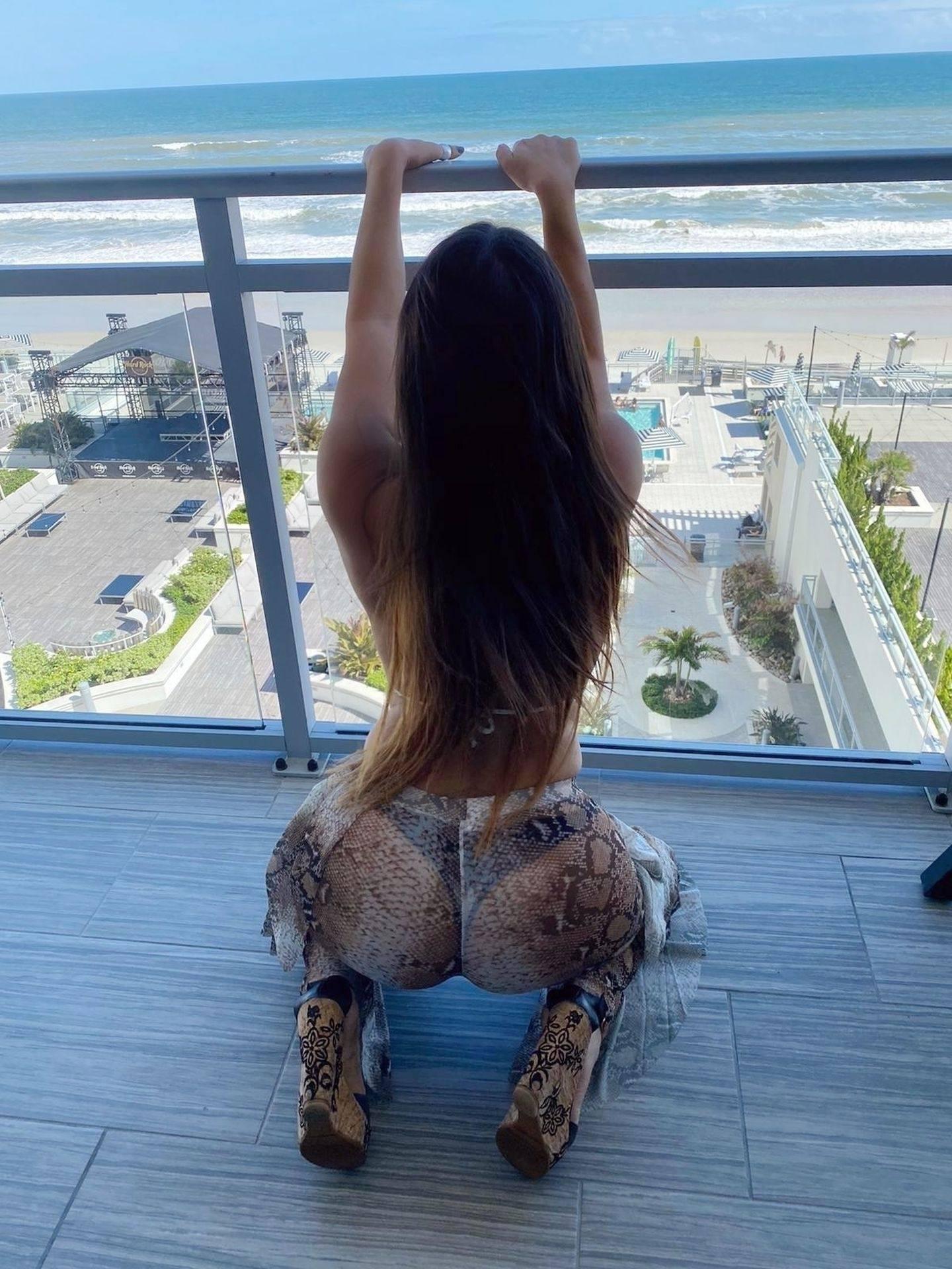 Claudia Romani Hot Pictures