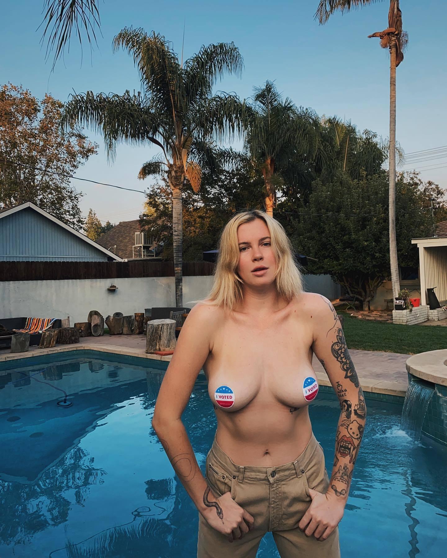 Ireland Baldwin Topless Boobs