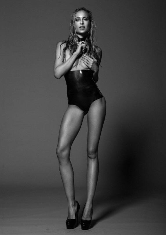 Janine Scheuer Naked Pics