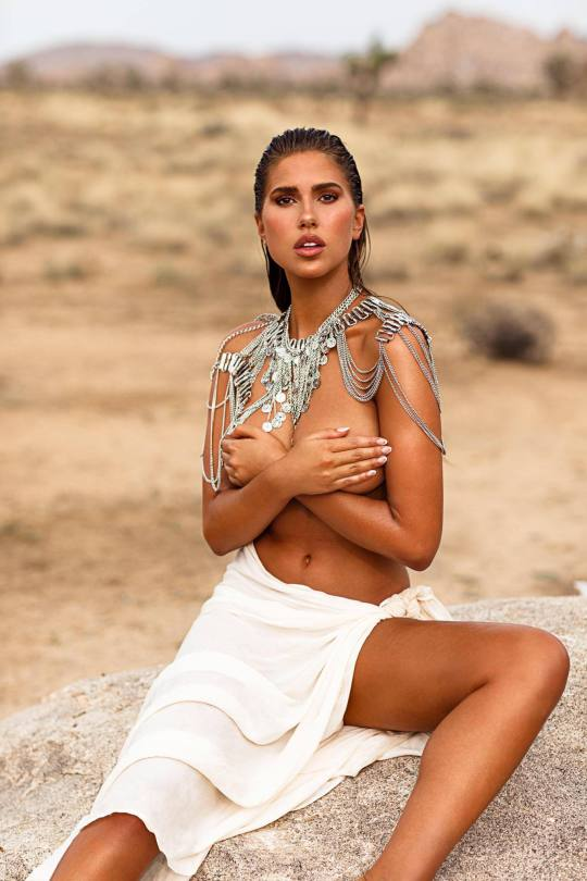 Kara Del Toro Topless And Naked