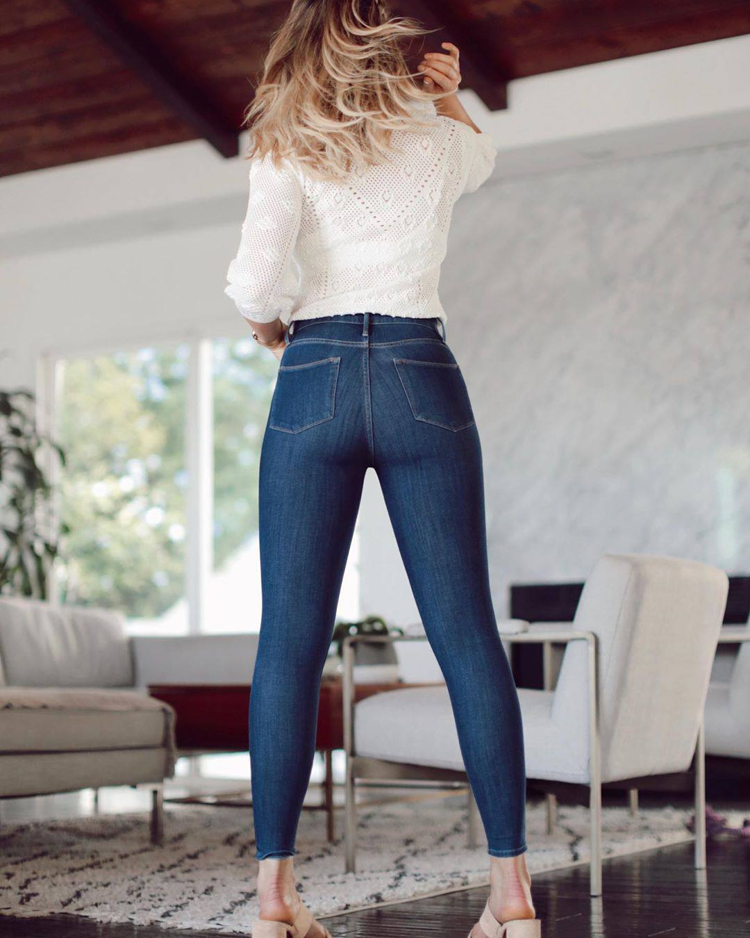 Katrina Bowden Sexy Ass In Jeans
