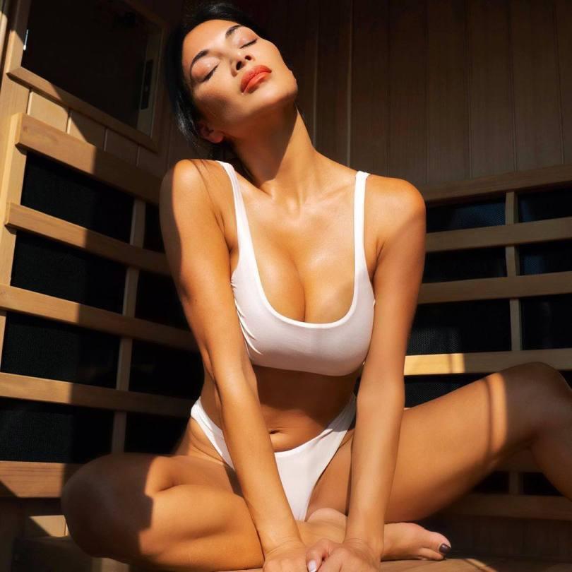Nicole Scherzinger Sexy Boobs