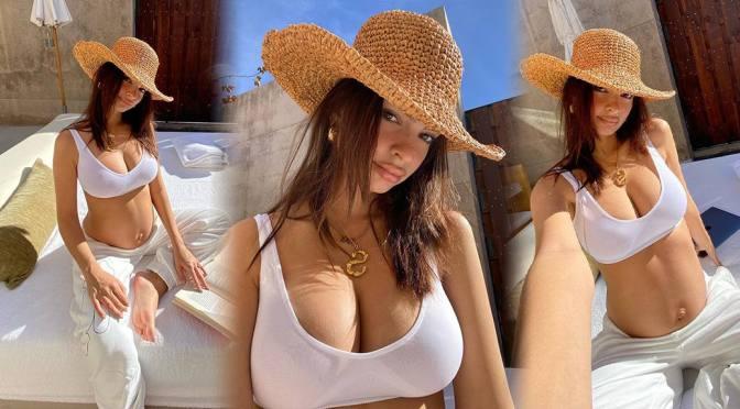 Emily Ratajkowski Big Tits