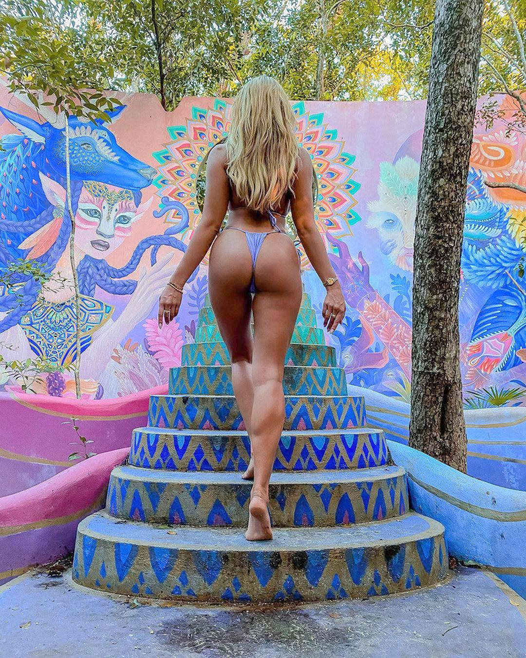 Khloe Terae Sexy Ass
