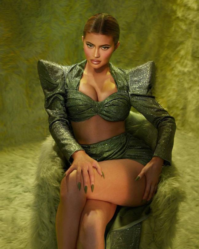 Kylie Jenenr Big Boobs