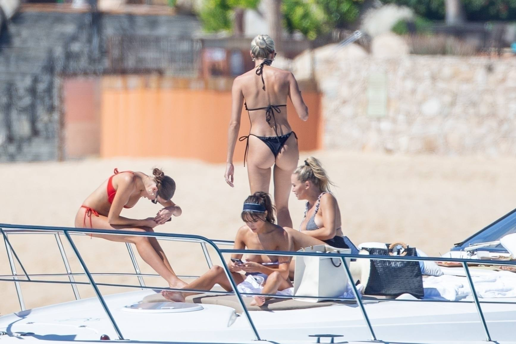 Olivia Culpo Topless Breasts