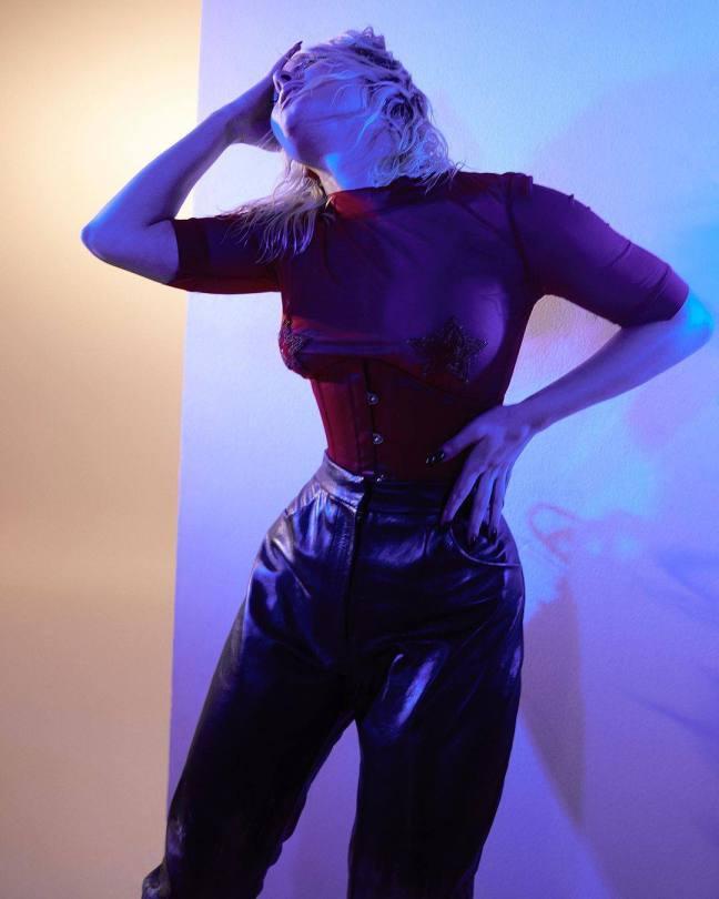Zara Larsson Big Boobs