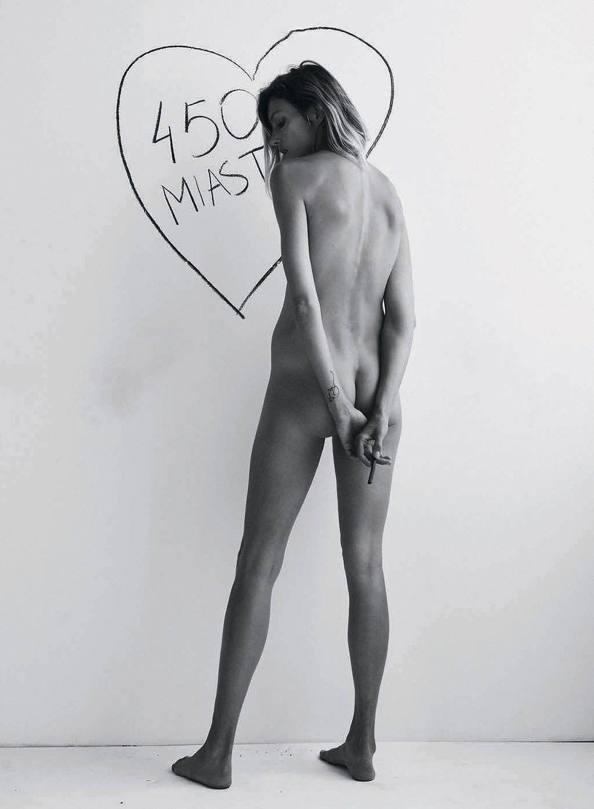 Anja Rubik Topless