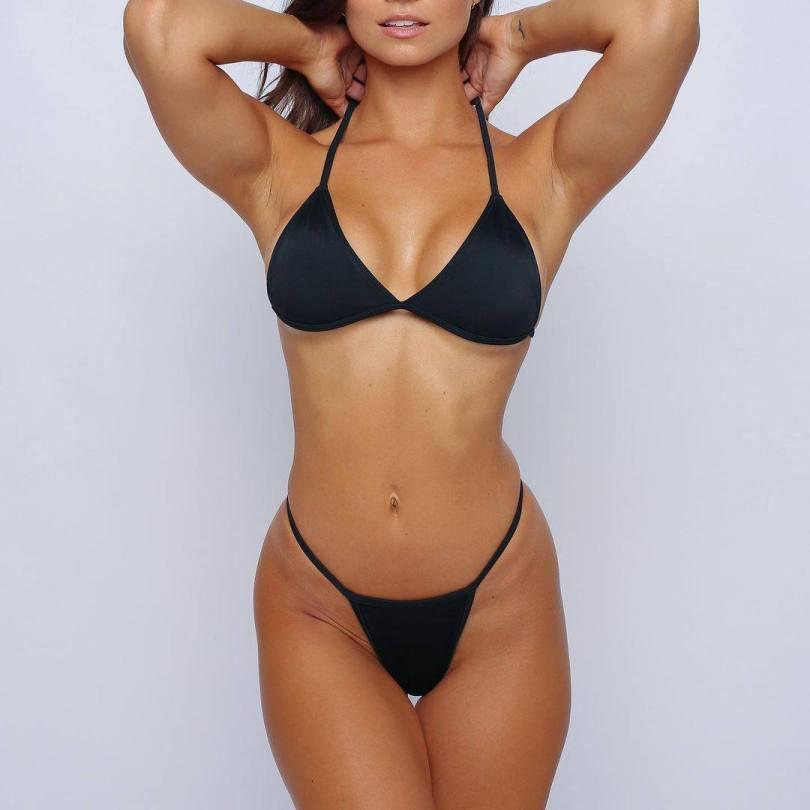 Anna Louse Sexy Swimwear Pics