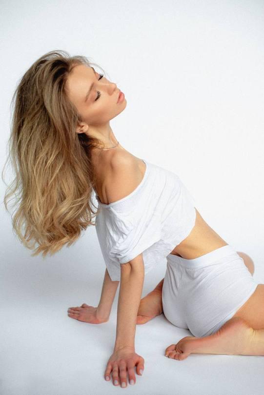 Anna Tsaralunga Sexy Body