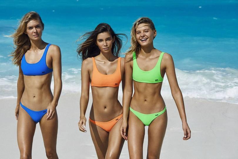 Cindy Mello In Bikini