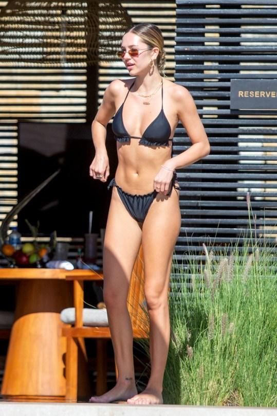 Delilah Belle Hamlin Beautiful In Tiny Bikini
