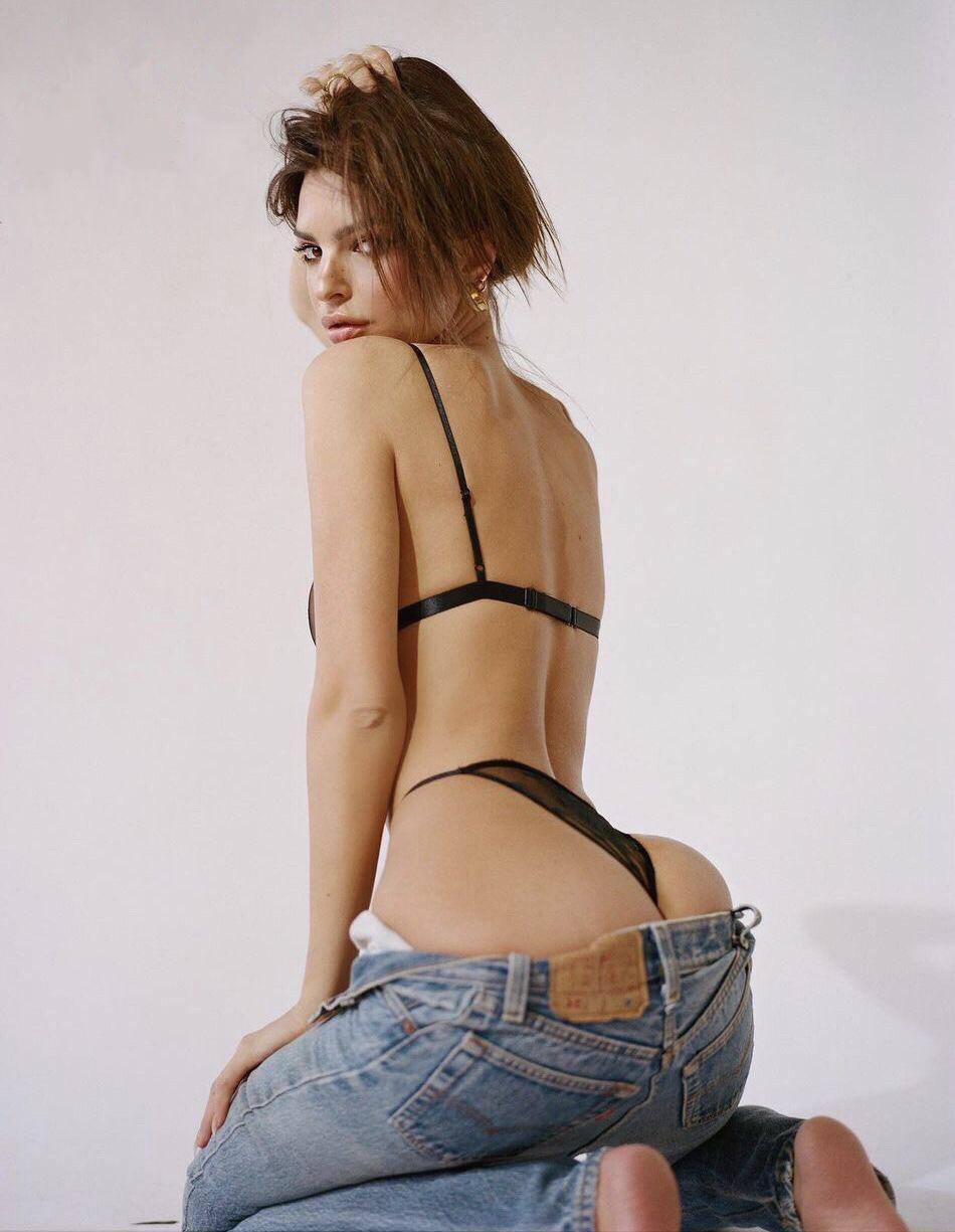 Emily Ratajkowski Sexy Ass In Black Thong