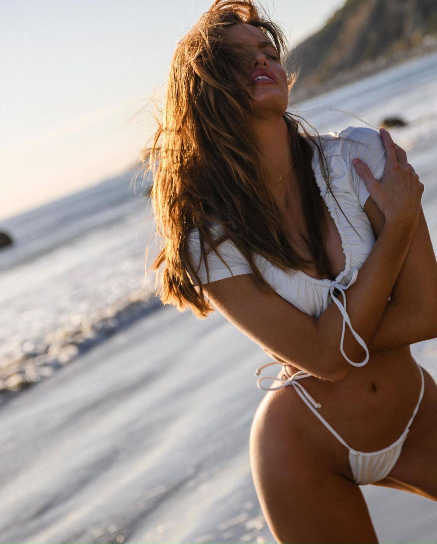 Haley Kalil Sexy Bikini Pics
