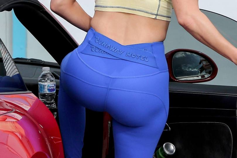 Jennifer Lopez Sexy In Leggings