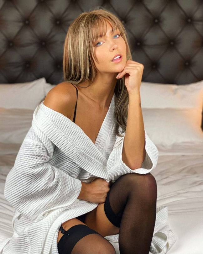 Rachel Cook Hot In Black Stockings