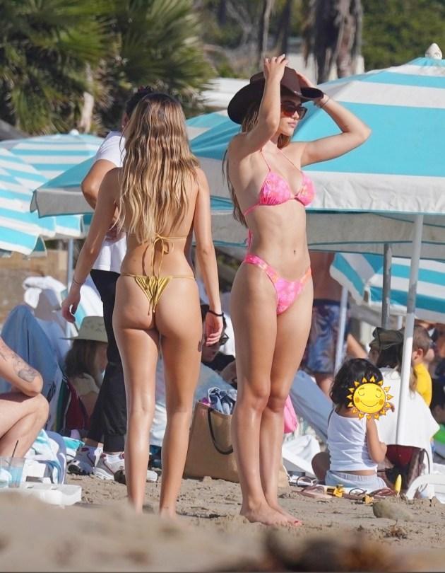 Amelia Delilah Belle Hamlin In Bikinis