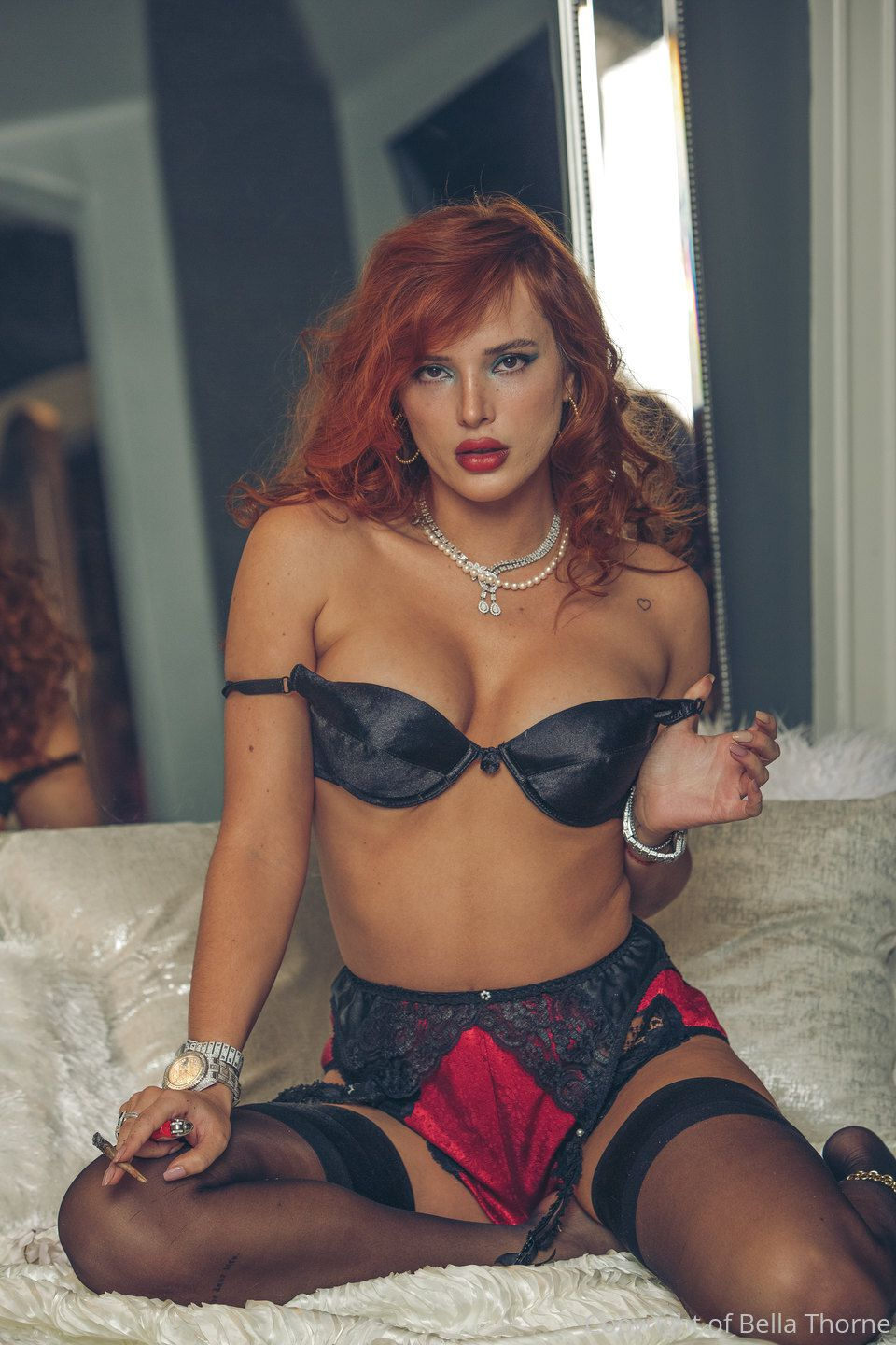 Bella Thorne Sexy In Bra And Panties