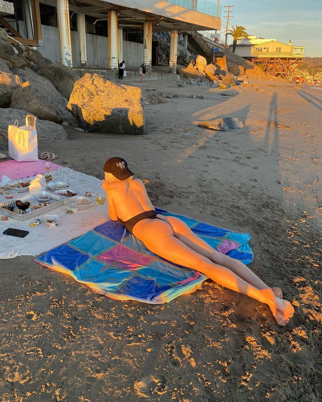 Caroline Vreeland Sexy Swimsuit