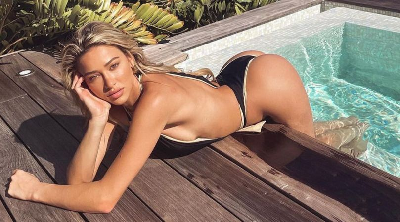 Cindy Prado Sexy Ass In Swimsuit
