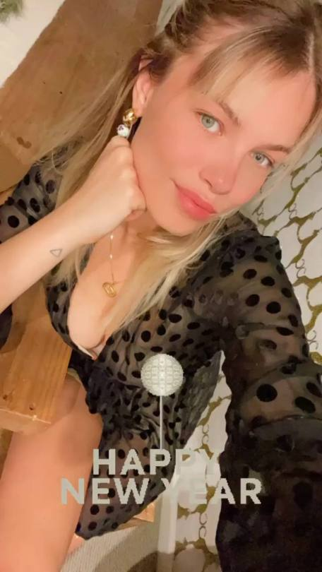 Hailey Clauson Sexy Cleavage