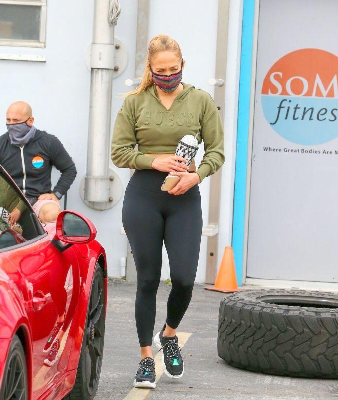 Jeninfer Lopez Big Ass In Leggings
