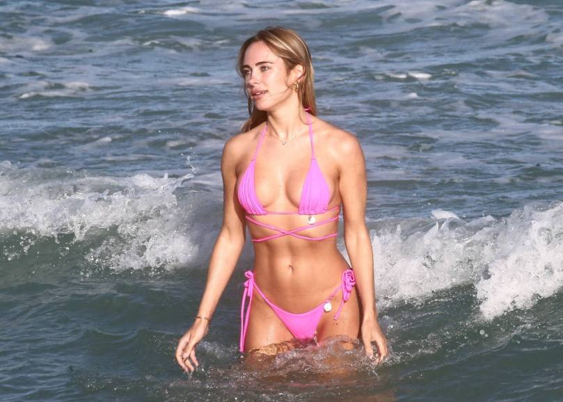Kimberley Garner In Sexy Pink Bikini