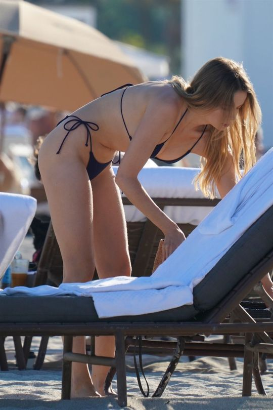 Louisa Warwick Beautiful Ass In Bikini