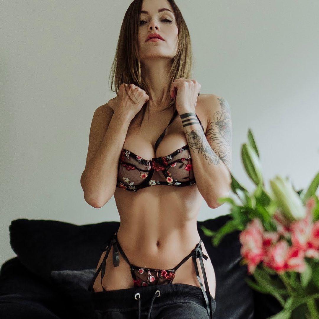 Melanie Pavola Beautiful In Lingerie