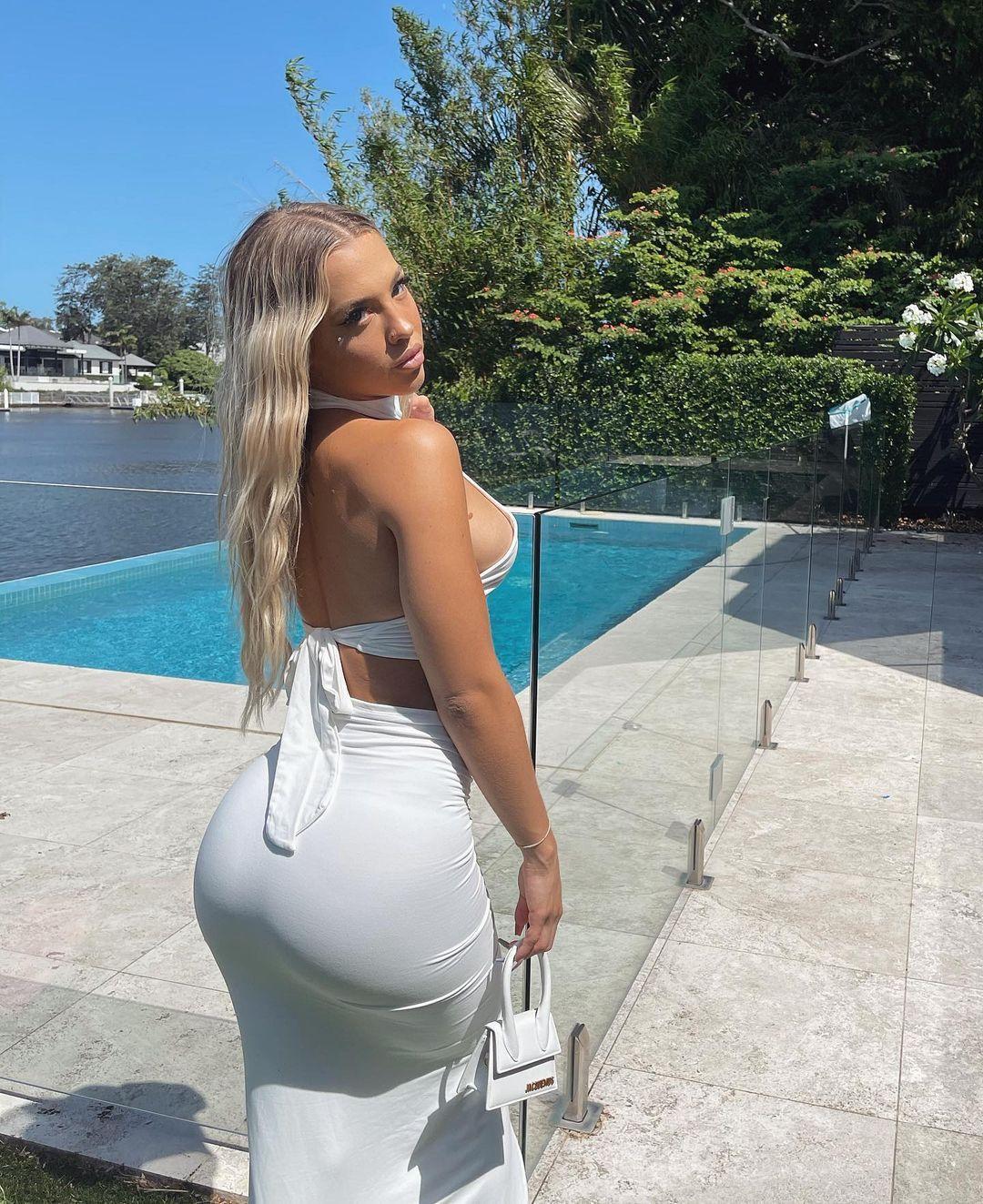 Tammy Hembrow Sexy Ass