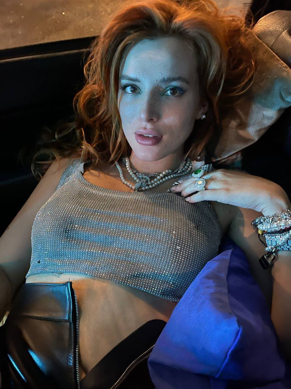 Bella Thorne Sexy Braless Boobs