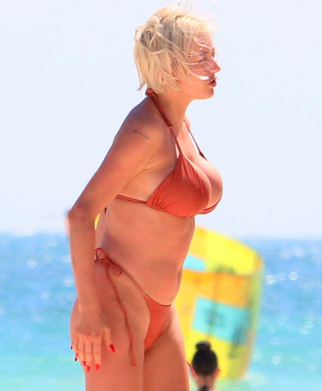 Caroline Creeland Huge Boobs