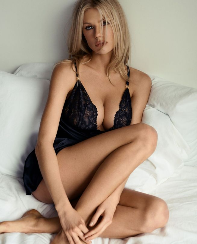 Charlotte Mckinney Fantastic Boobs