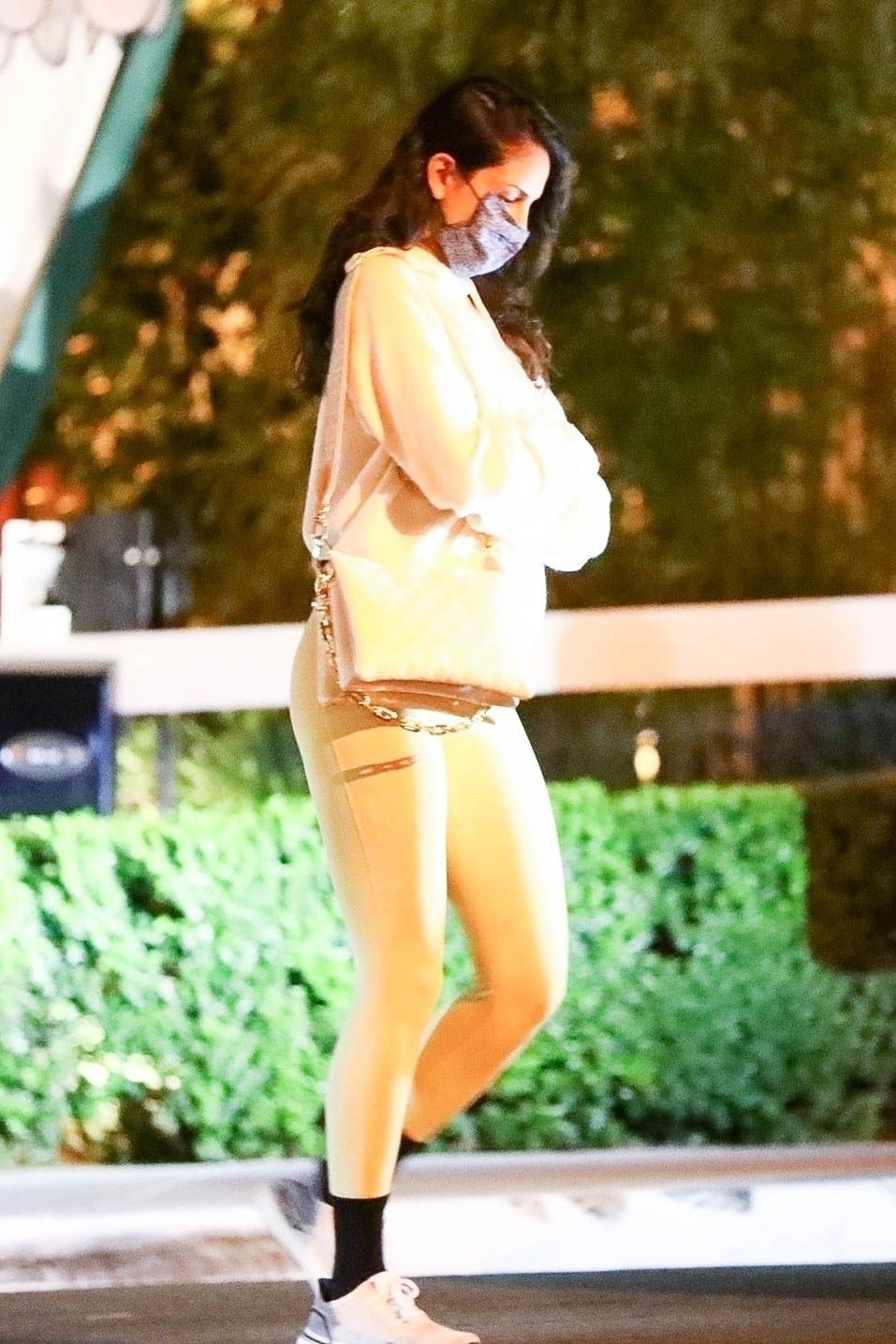 Eiza Gonzalez Sexy In Leggings