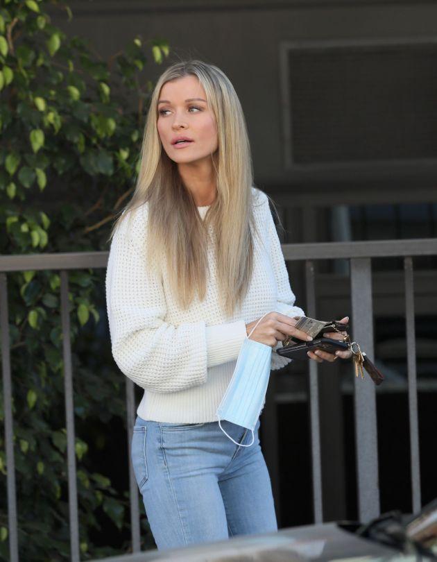 Joanna Krupa Sexy In Jeans