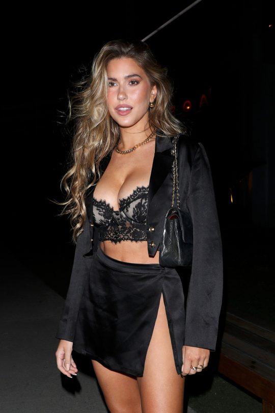 Kara Del Toro Sexy Outfit